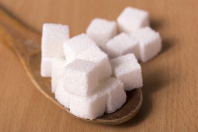 砂糖が肌に悪い理由